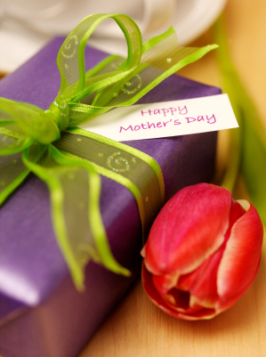 "Hypnosis Health Info says ""Happy Mother's Day!"""