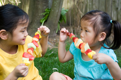 Weight Loss: It's a Family Affair ~ The Do's and Don'ts For Healthy Family Snacking